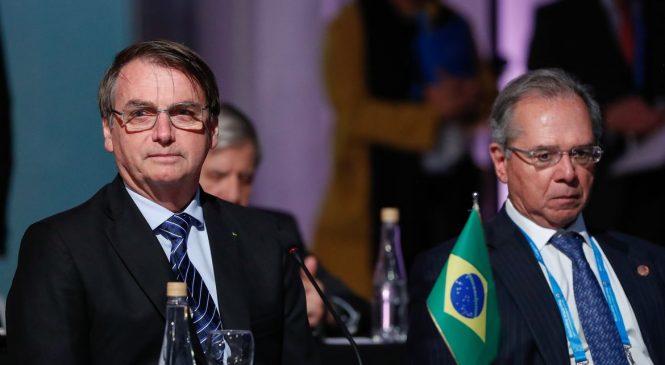 Elite política assalta contribuinte e envia dinheiro para paraíso fiscal, disse Bolsonaro