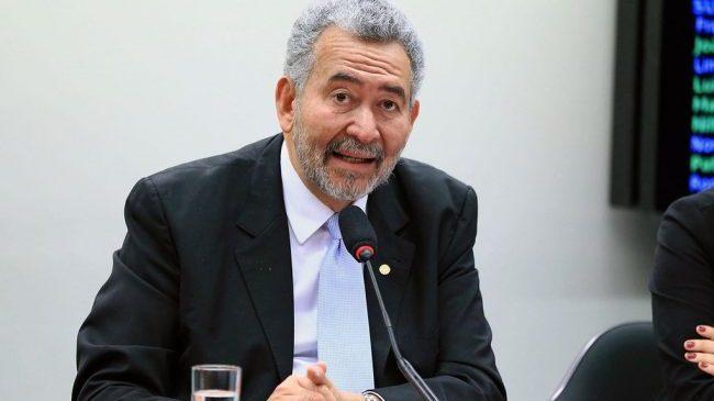 Deputados do PT reagem contra Ciro e fazem a defesa de Dilma Roussef